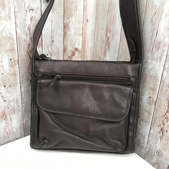 Vintage Handbags - Vintage chocolate pebble leather shoulder bag